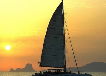 Alquiler de catamarán Catamarán Fountaine Star en Ibiza