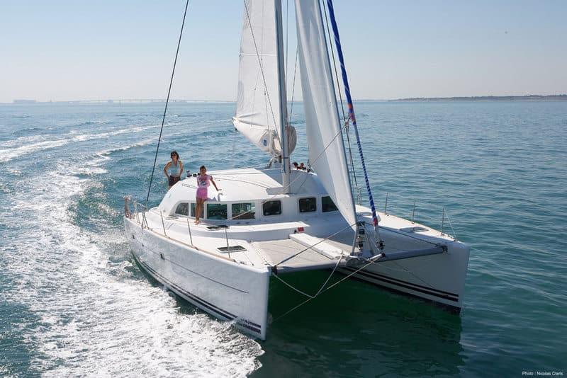 Alquiler catamaran en ibiza Lagoon 380