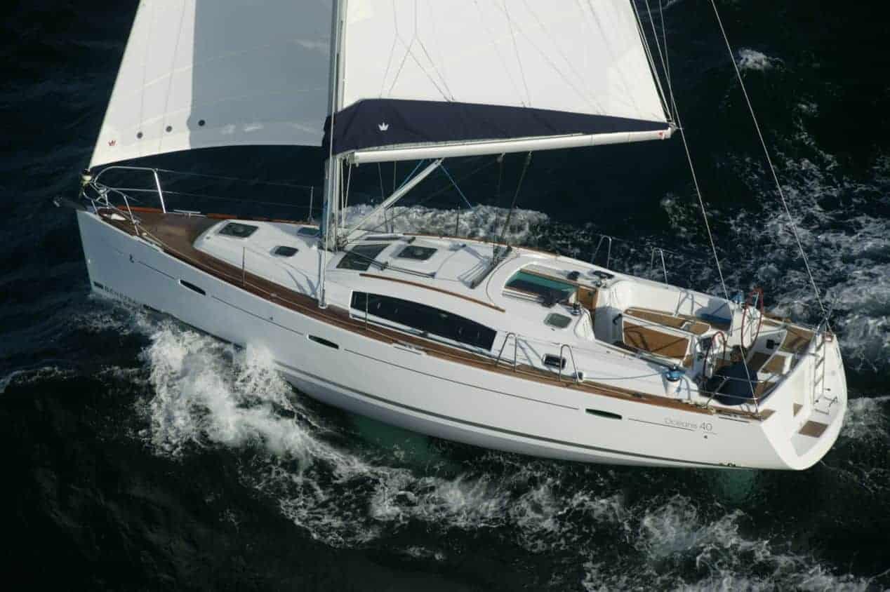 Alquiler de Beneteau Oceanis 40 en Ibiza