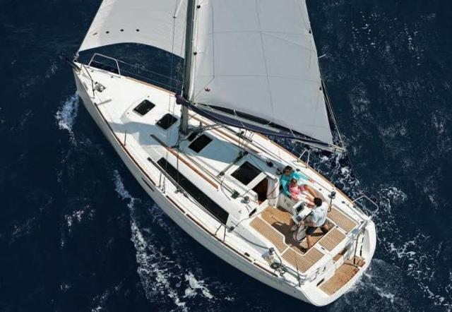 Alquiler de Beneteau Oceanis 31 en Ibiza