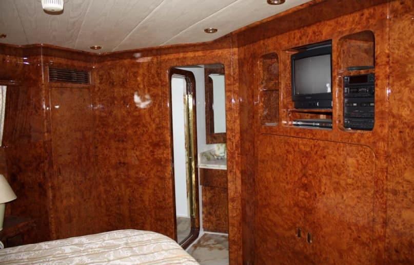 Alquiler de yate en Ibiza Mondomarine 120 - IbizaBoats