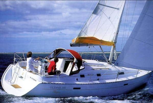 Alquiler de Velero Oceanis 331 en Ibiza