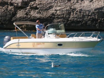Alquiler de lancha Sessa Key largo 22 en Ibiza