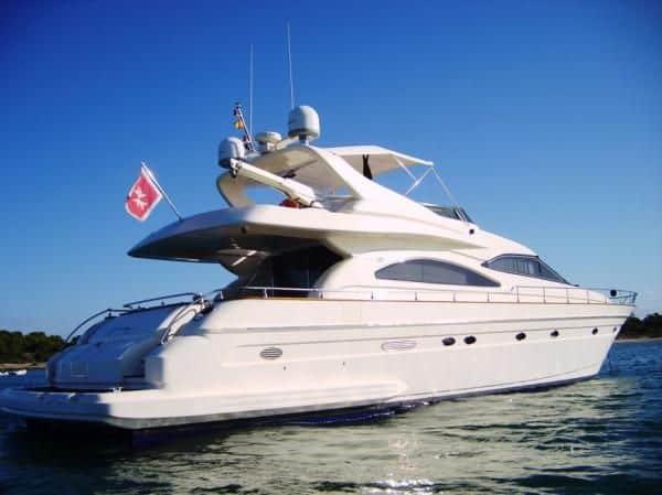 Alquiler de Yate Astondoa GLX 72 en Ibiza