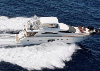 Alquiler de Yate Astondoa 72 GLX en Ibiza