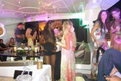 Discotecas y bailes en yates de Ibiza