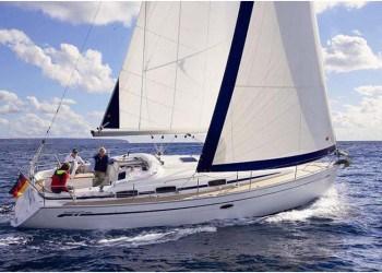 Alquiler de Velero Bavaria 37 Cruiser en Ibiza
