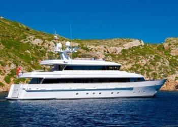 Alquiler de Megayate Heesen 35M en Ibiza