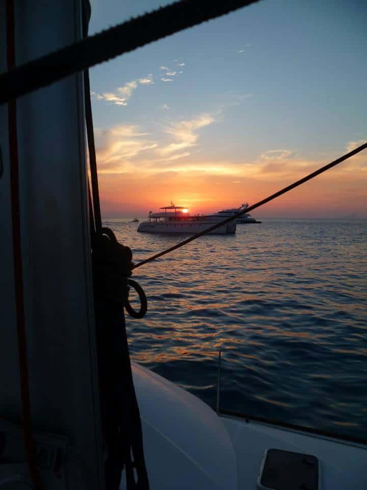 atardecer_en_barco_en_ibiza