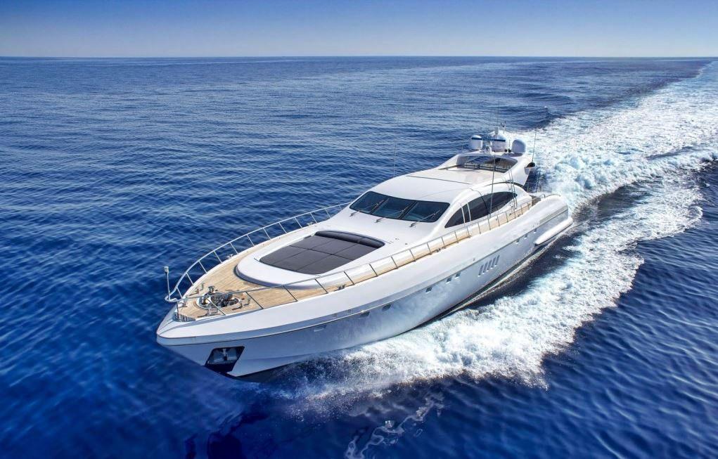 Alquiler de Yate Mangusta 108 en Ibiza
